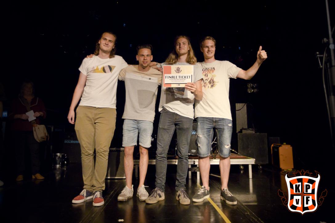 Quiet As Always wint eerste halve finale Kleine Prijs van Fryslan 2021